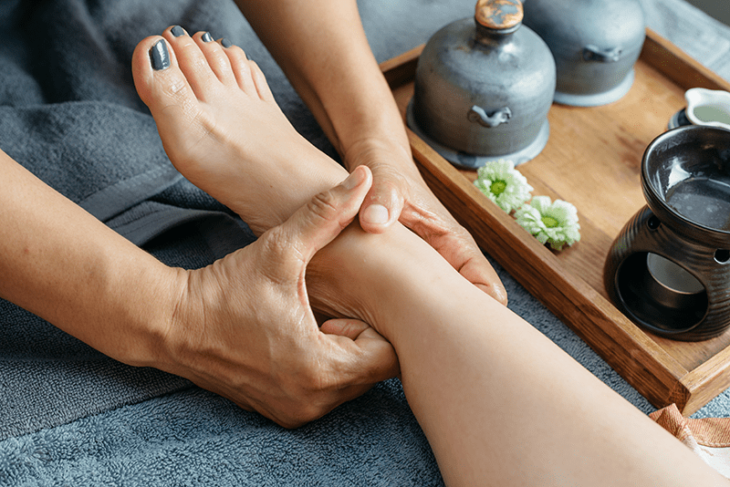 how to give a good foot massage