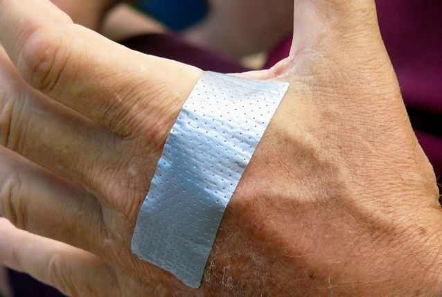 use duct tape to get rid of warts