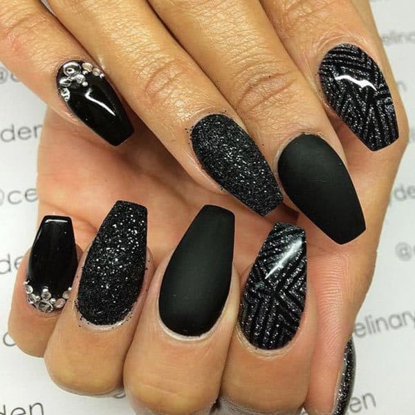 One-Nail Glitter matte coffin nails