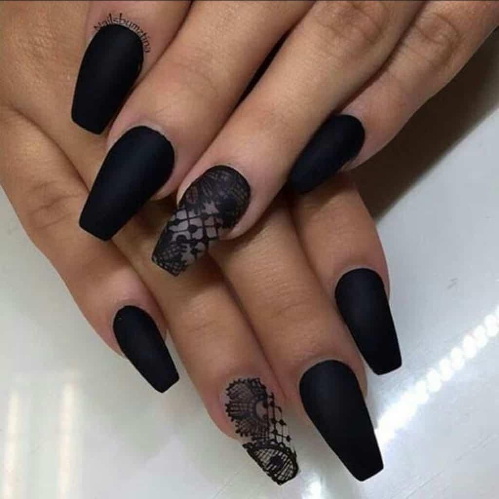 Matte black coffin nails lacework