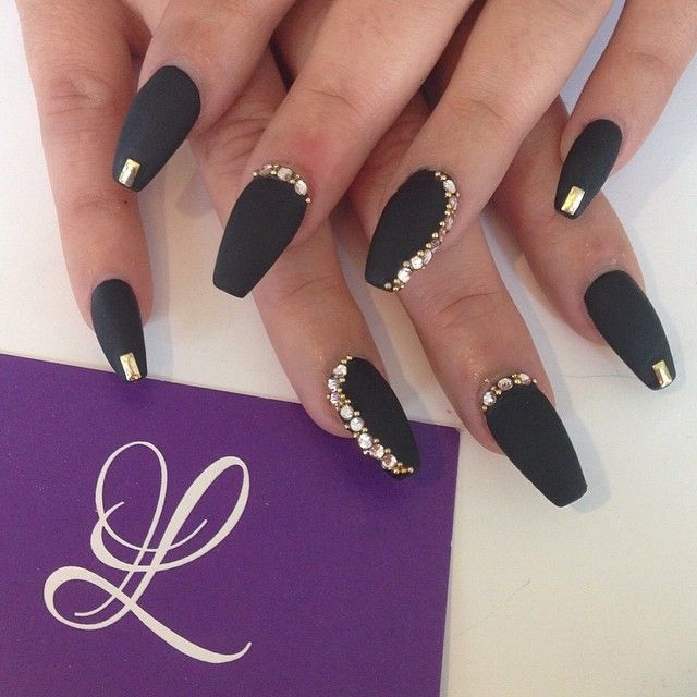 Matte and Rhinestones in coffin nails