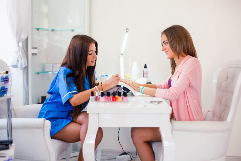 How to Get Started With Nail Salon Business [Expert's Advice]