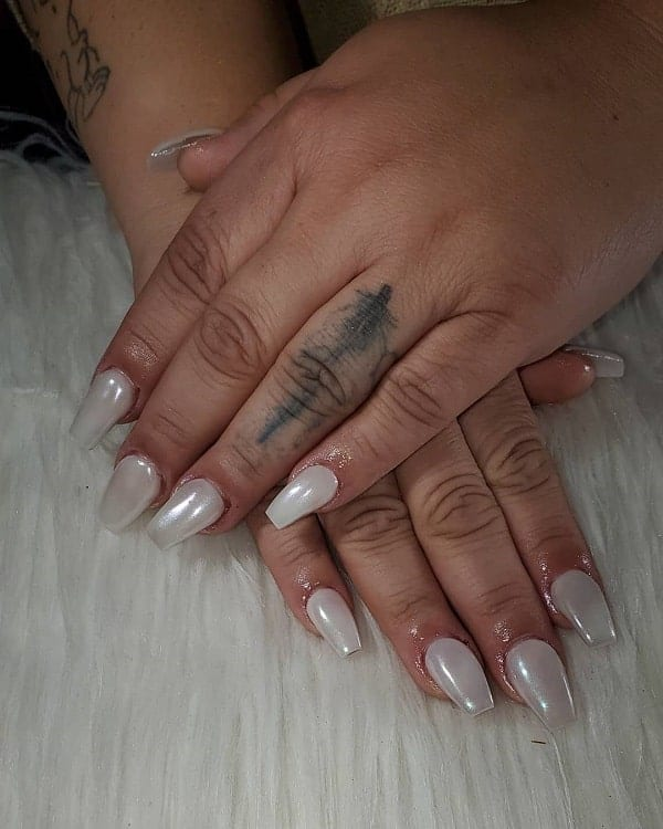 Short Coffin Shaped Acrylic Nails