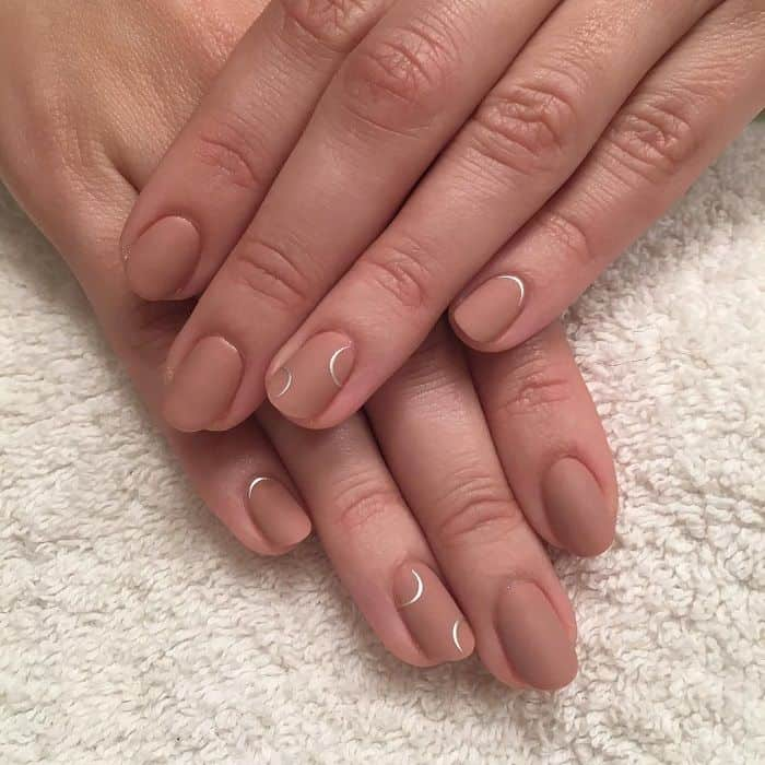short matte nude nails