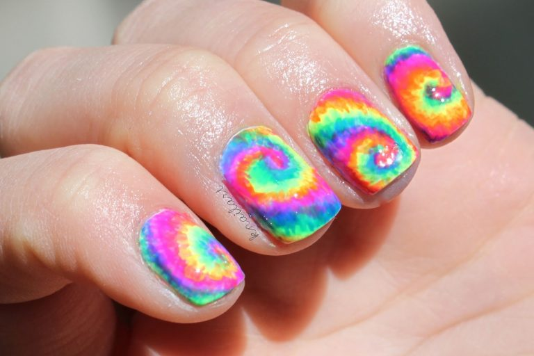 Tie Dye Nails: 5 Amazing Arts + How to Do Them Easily