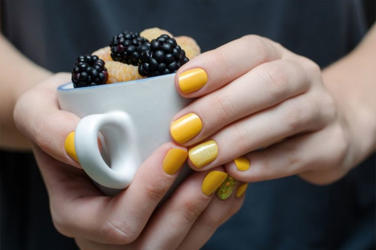 52 Bright Yellow Nail Designs for the Playful Hearts