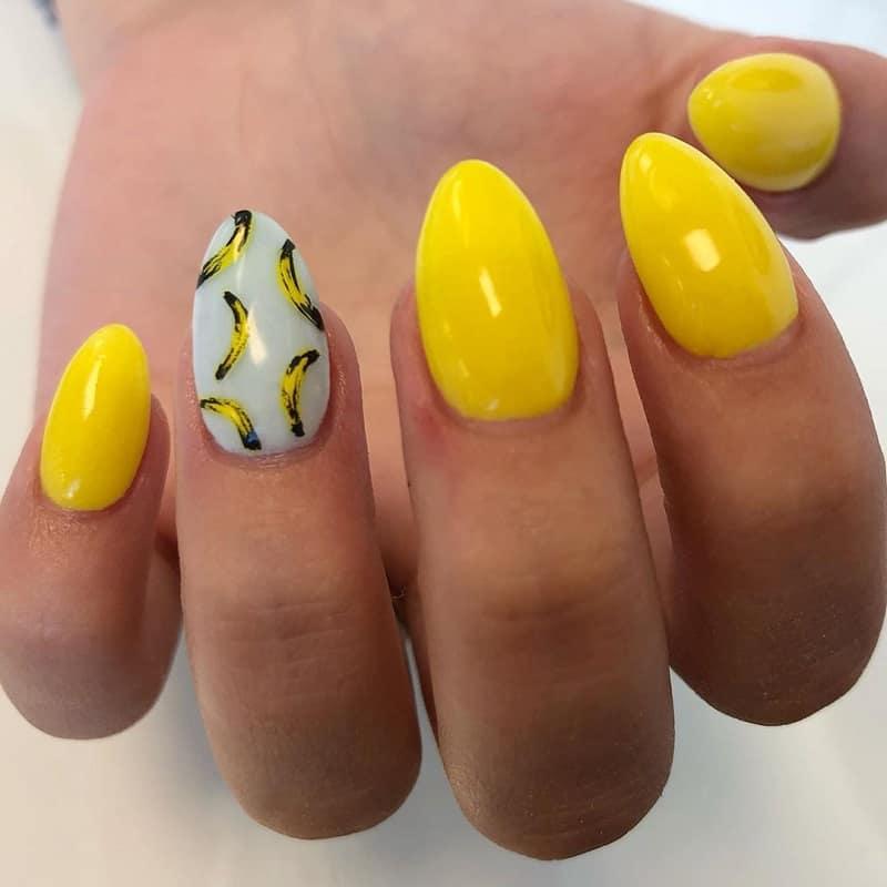 banana nail design