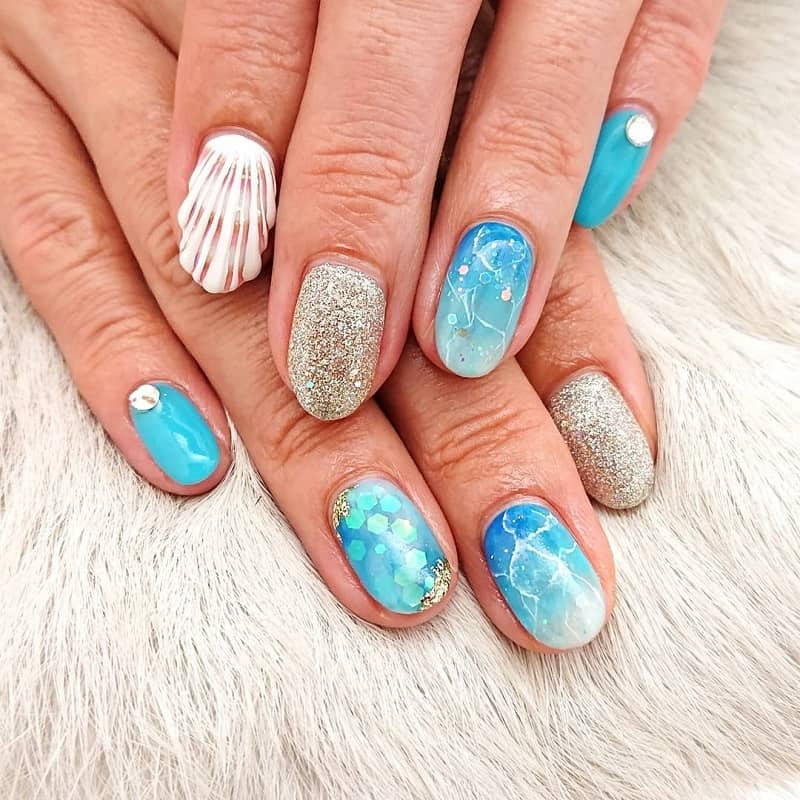 blue beach nail design