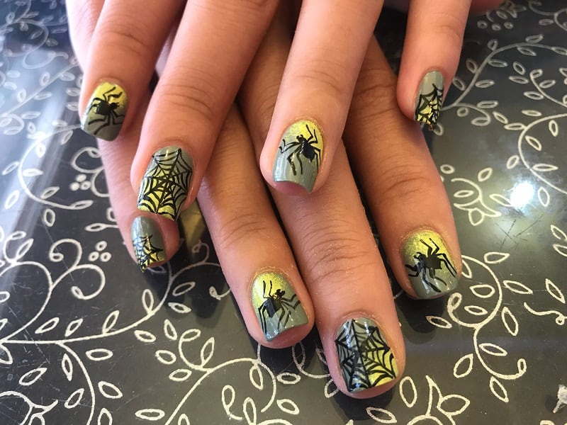 gel nail spider designs