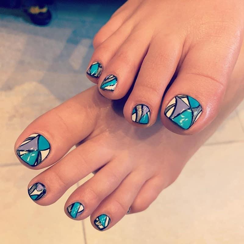 geometric toe nail art