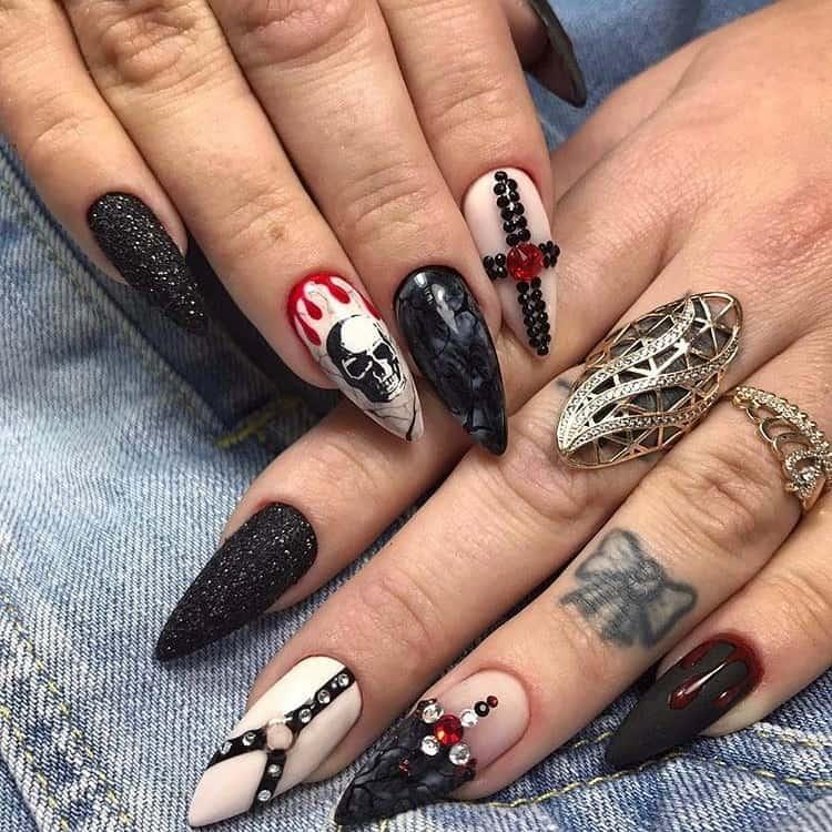 halloween skull nail design