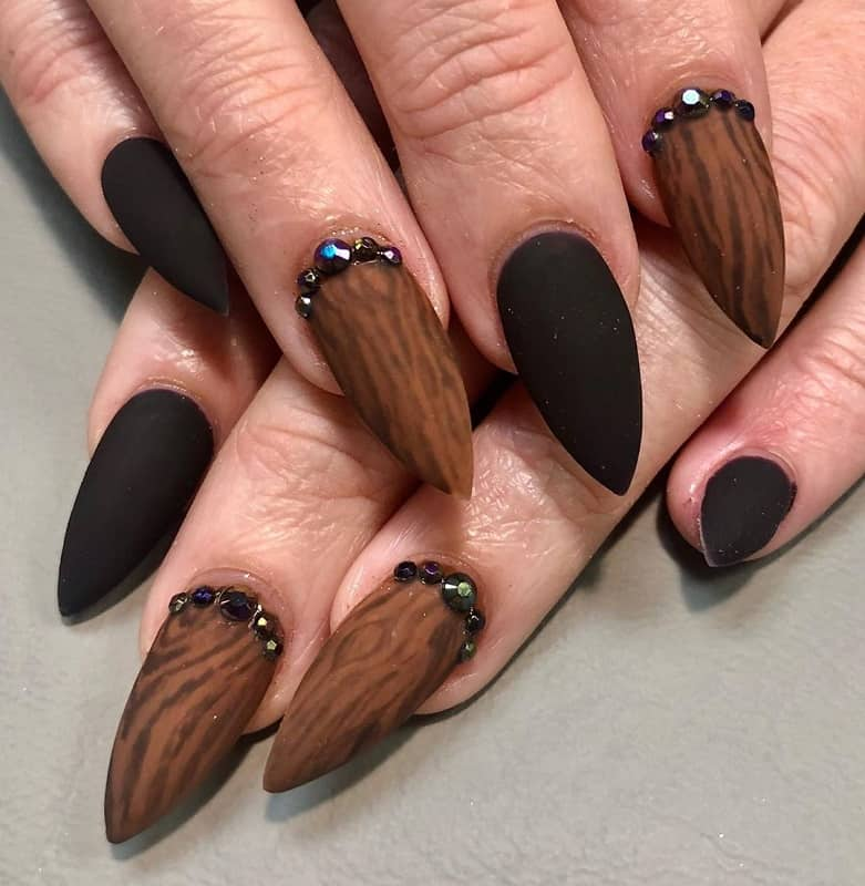 new year stiletto nails