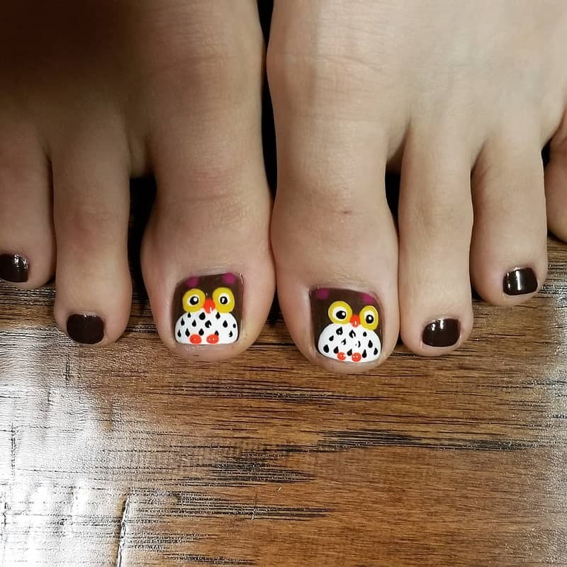 owl toe nail design
