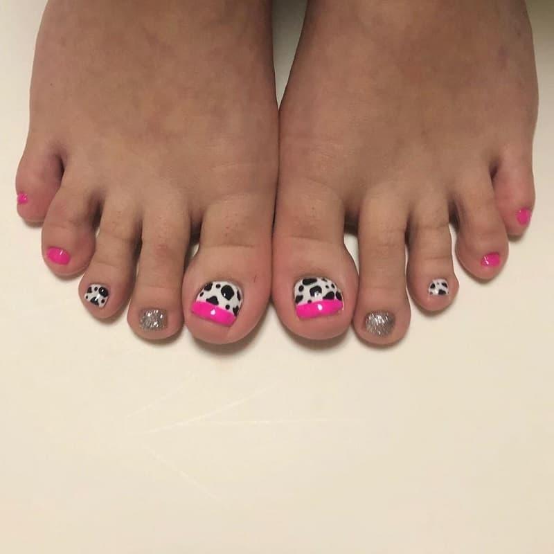 dog toe nail designs