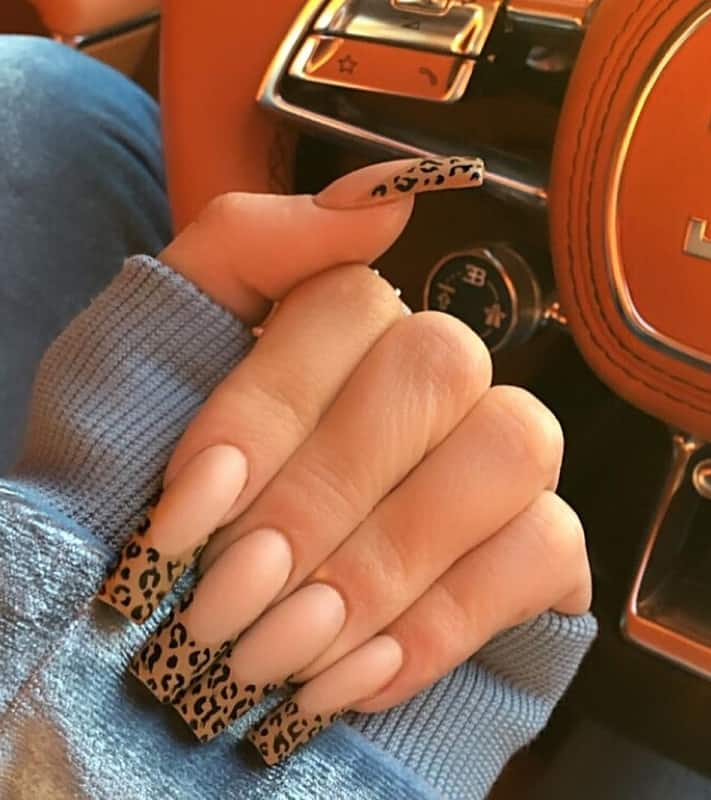 kylie jenner cheetah nails