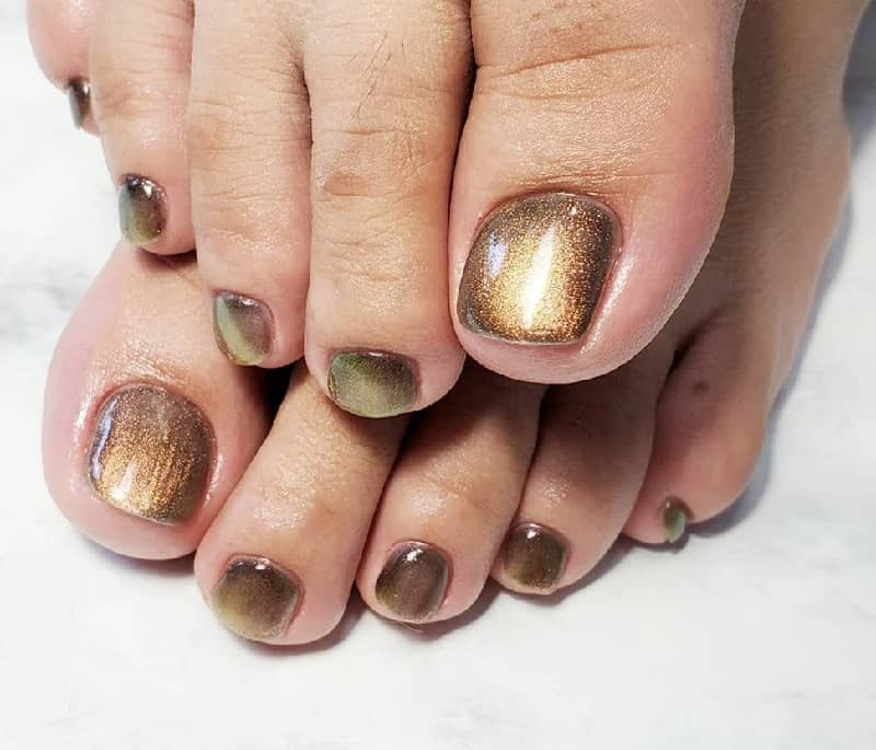 brown toe nails designs
