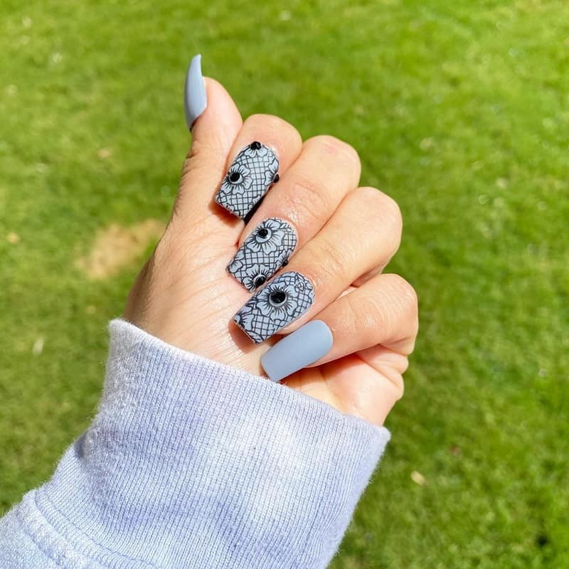 lace acrylic nails