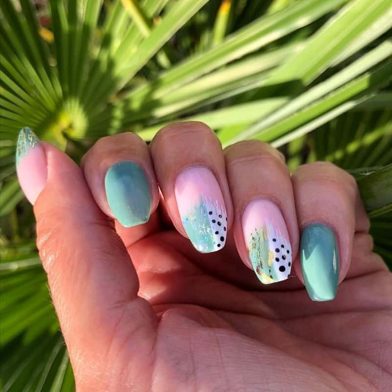 brush stroke abstract nail art
