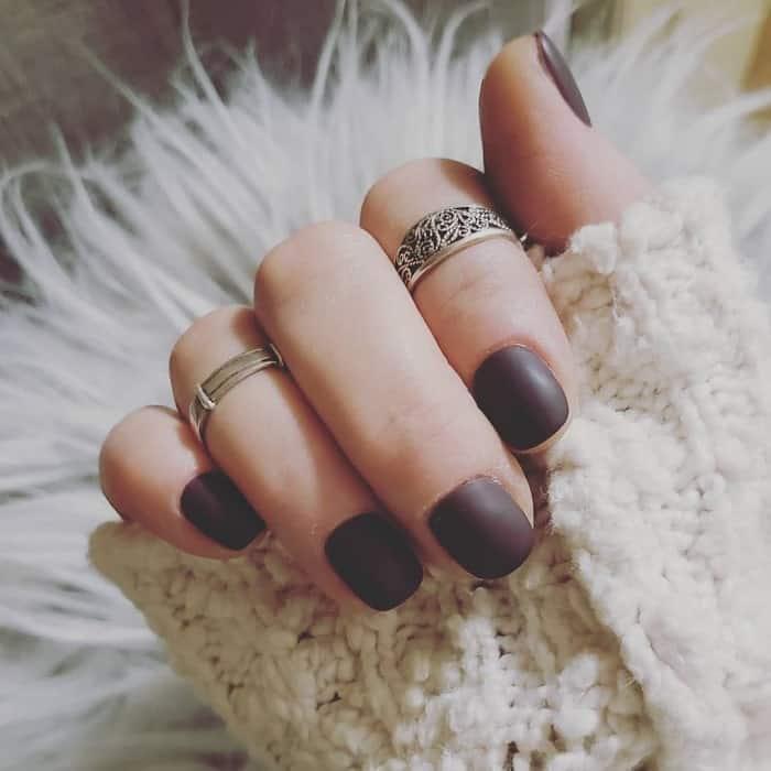 dark maroon matte nail polish