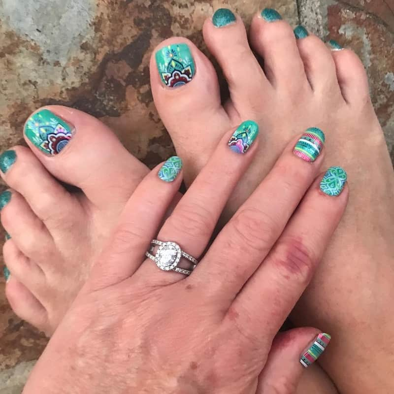 hippie toe nail design
