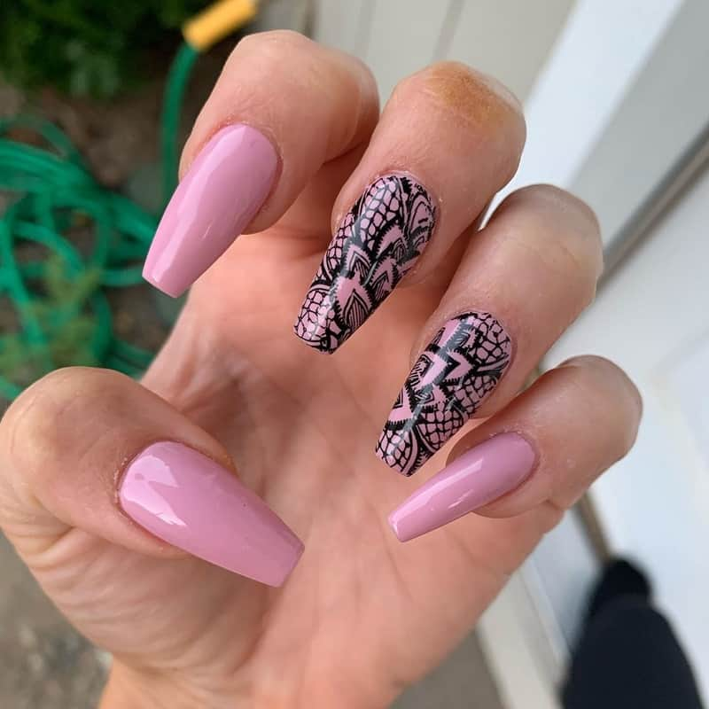 lace coffin nails