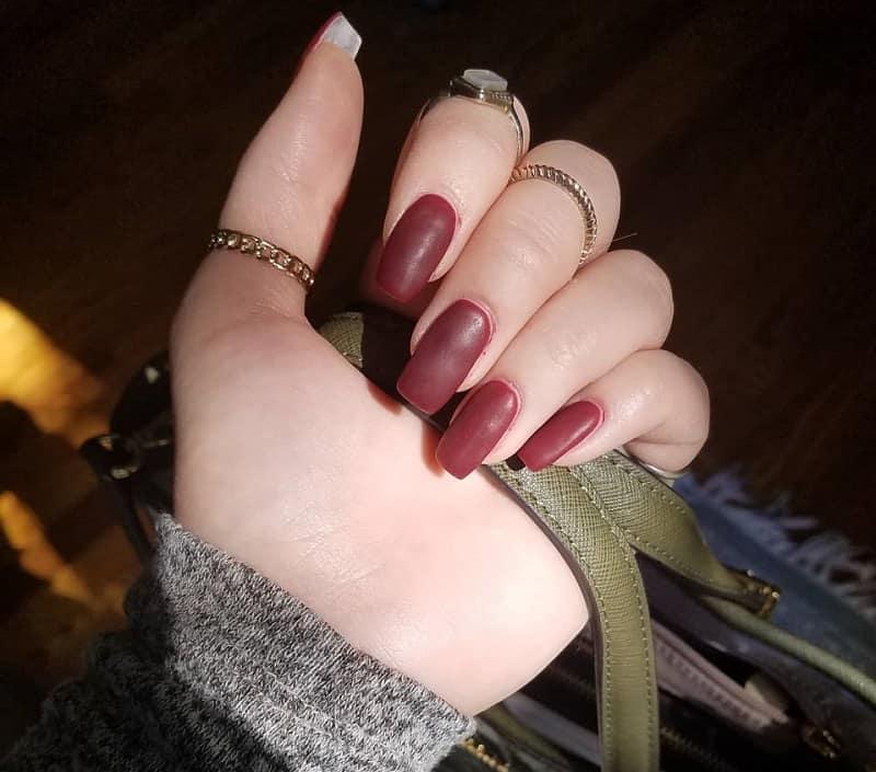 matte maroon fake nails