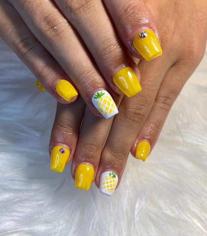 short coffin summer nails