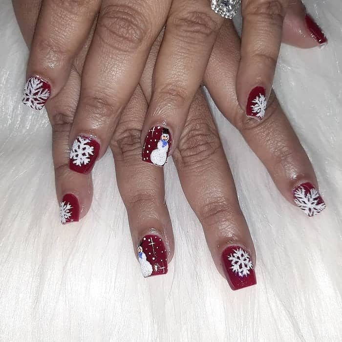 Christmas Accent Nails