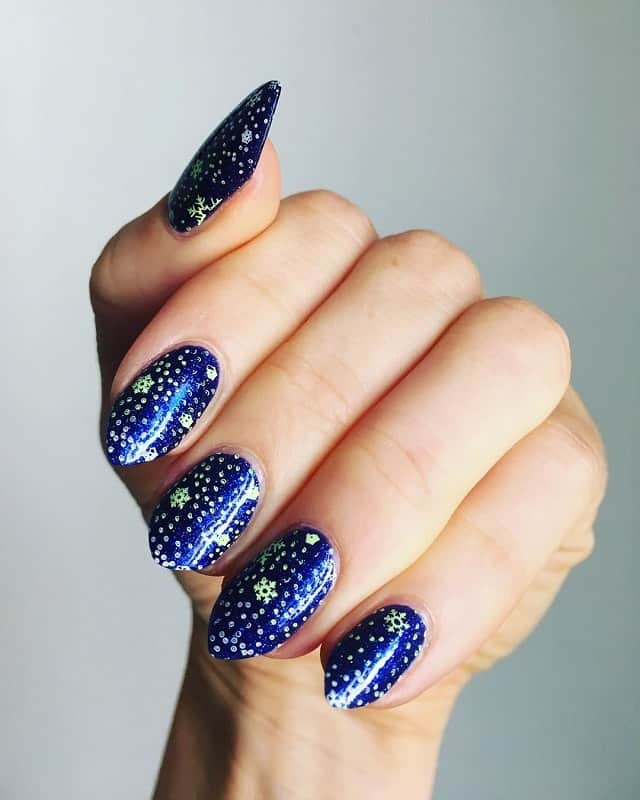 dark winter nails