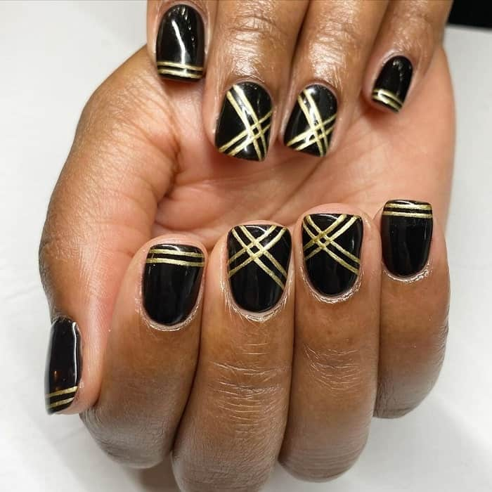 gold line nail design