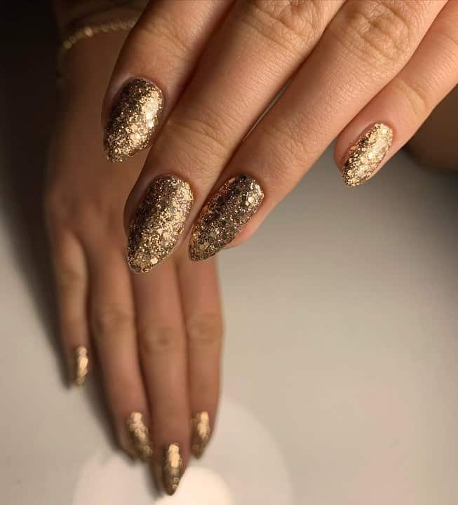 gold prom nails