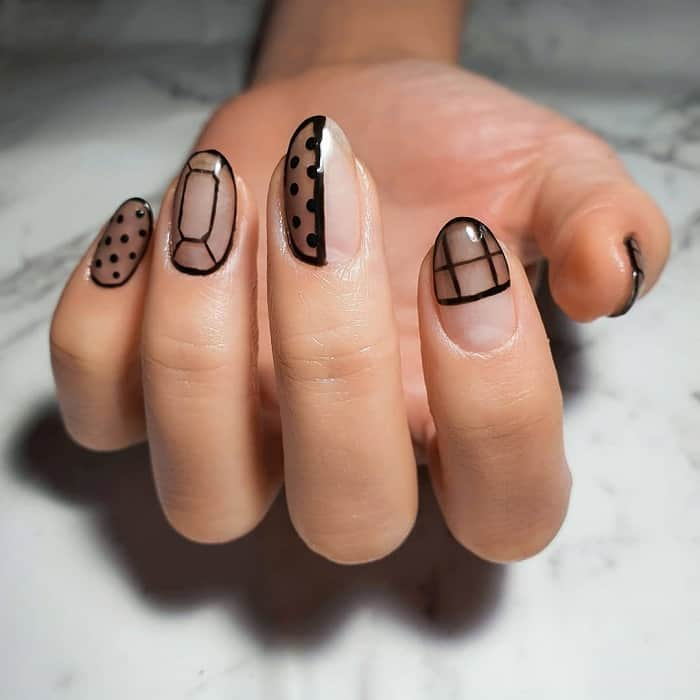 nail design with lines and dots