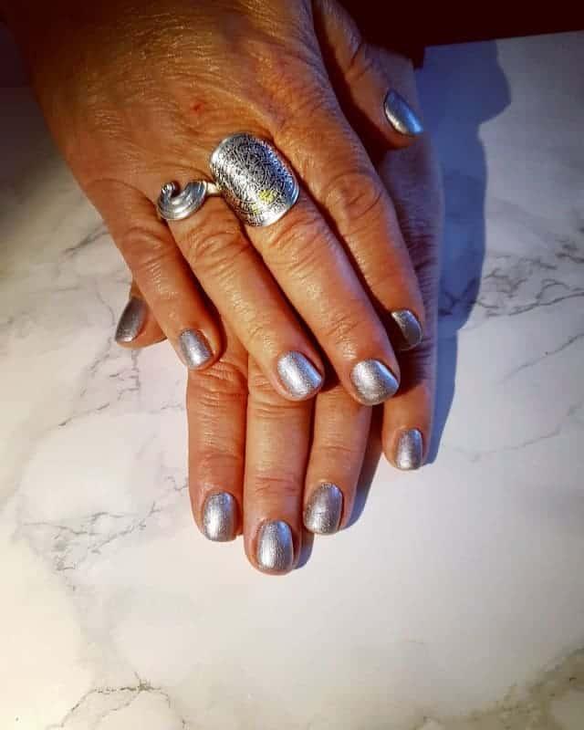 matte silver nails
