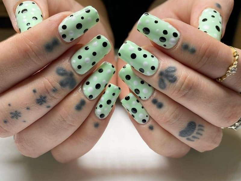 mint green acrylic nails