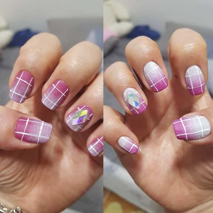 nail design with white line
