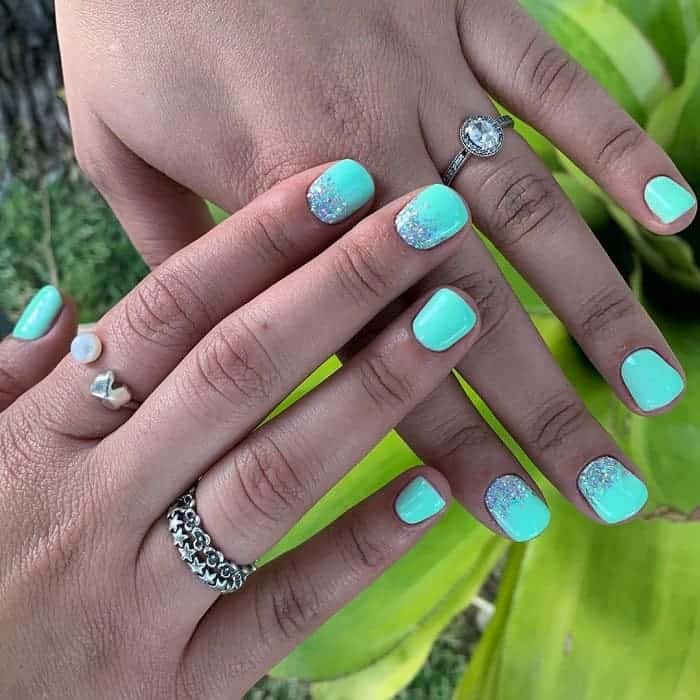 neon mint green nails