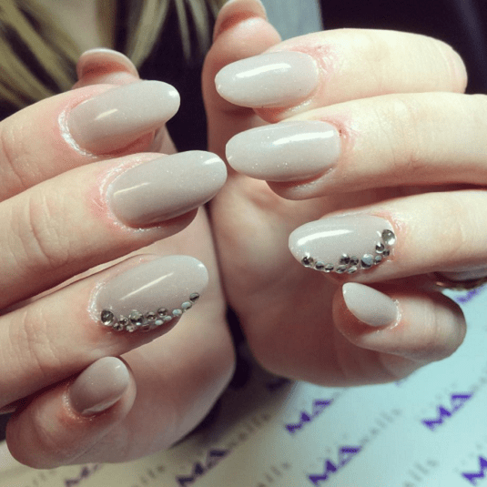 Round Nail Design To Play It Cool Edgy