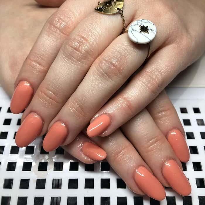 Lovely Peach Gel Nails
