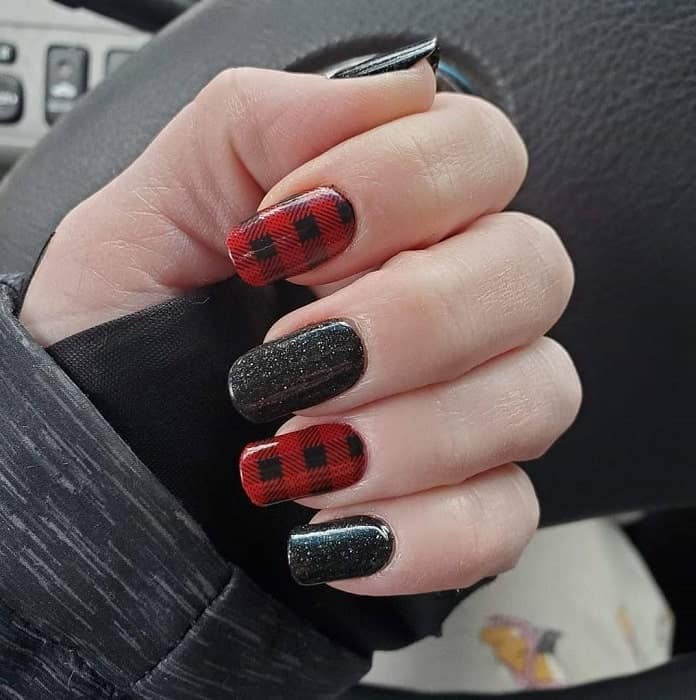 black and red plaid nail design
