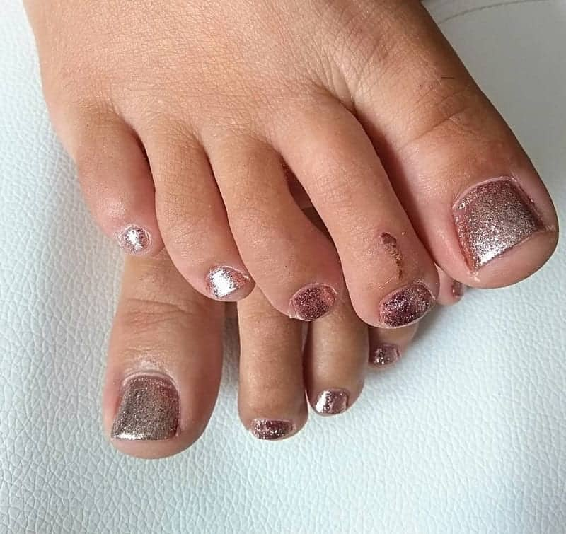 rose gold toe nails