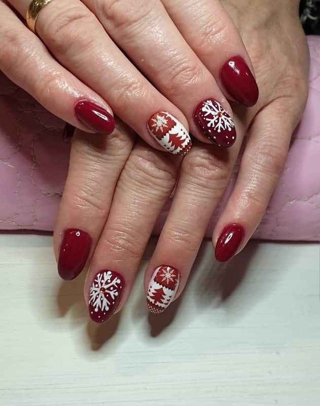 shellac nail design for Christmas