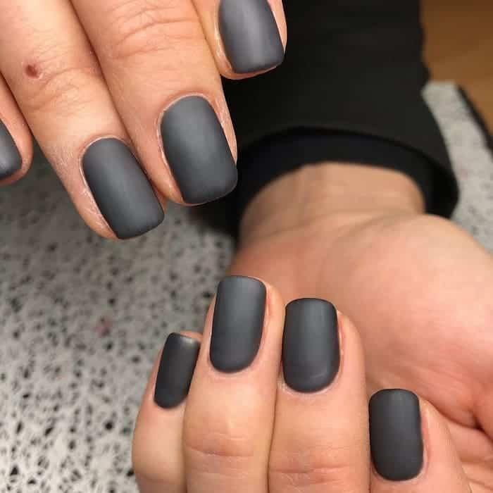 short matte nails