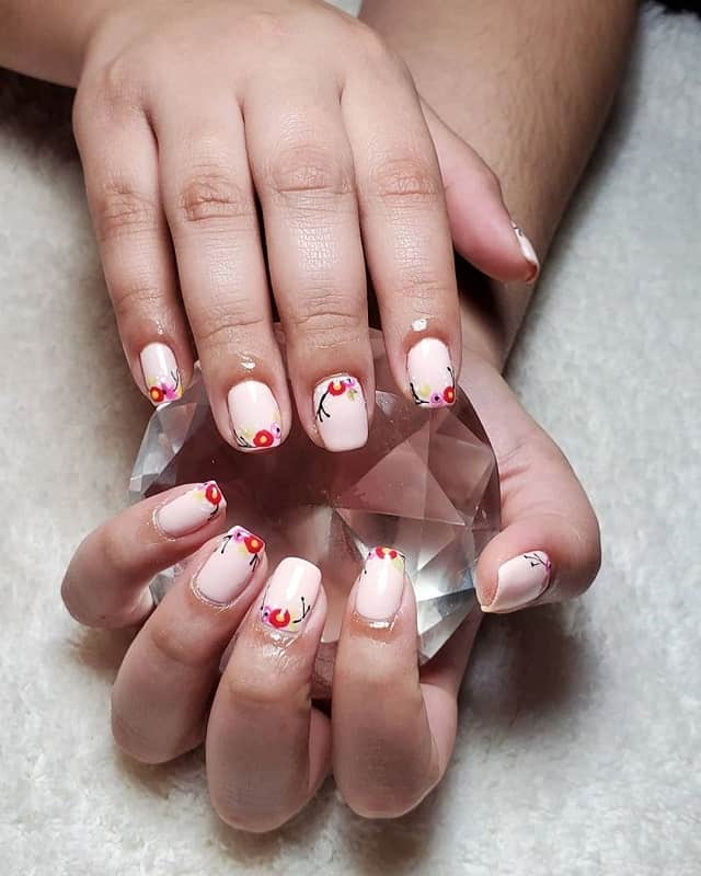 short squoval nails
