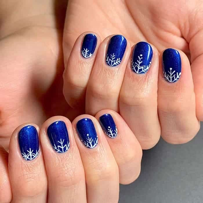 snowflake gel nails