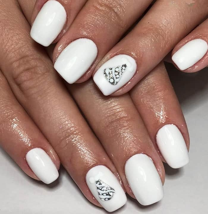 white winter nails