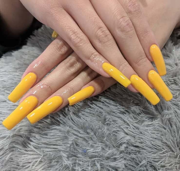 yellow square acrylic nails
