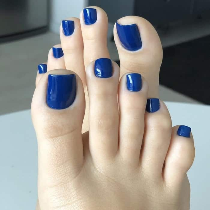 Royal Blue Toe Nails
