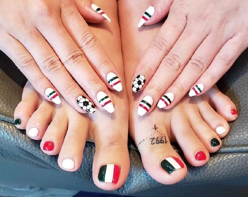 football toe nail art