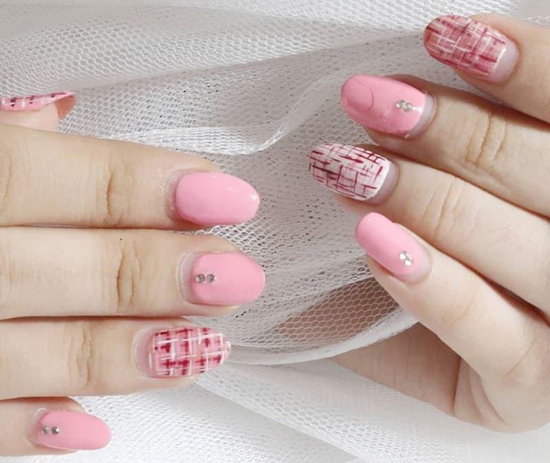 baby pink christmas nails