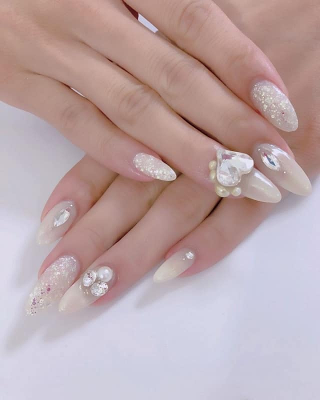 3d heart nail design